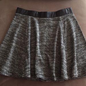 Black & white swing mini skirt